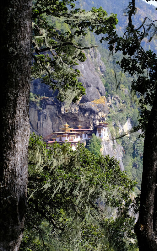 Bhutan holidays with Selective Asia
