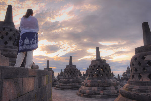 Read about the sunrise at<br>Borobudur experience
