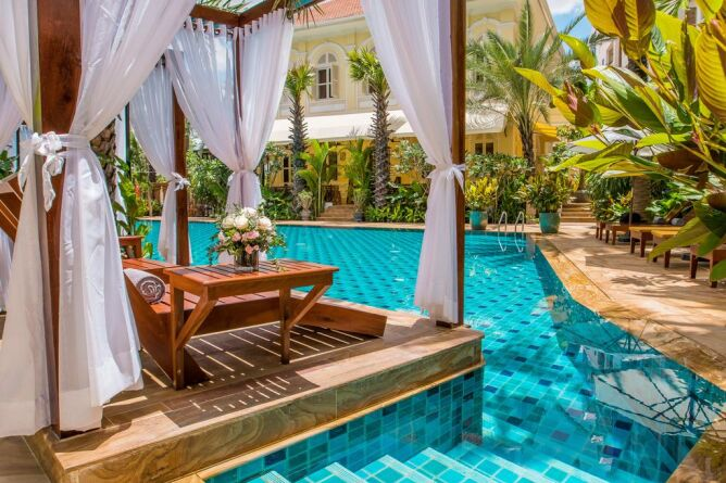 Luxury loungers by the pool