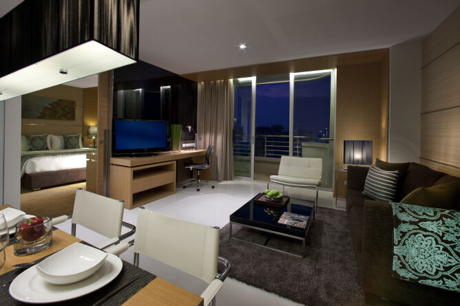 One bed suite living area