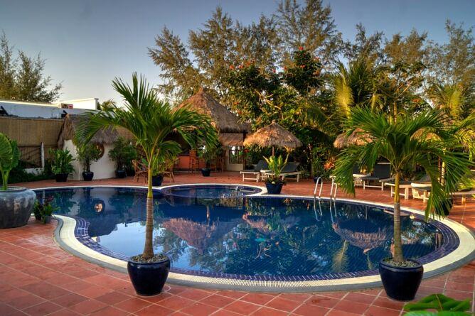 The secret garden otres beach first class first class for Secret garden pool novaliches