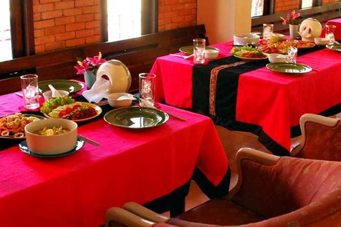 Lahu style restaurant