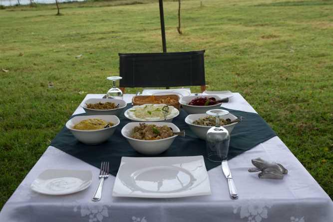 Sri Lankan & international cuisine