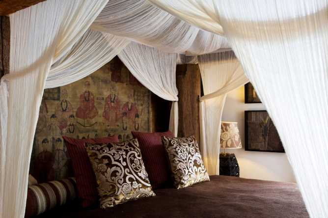 Balinese style interiors