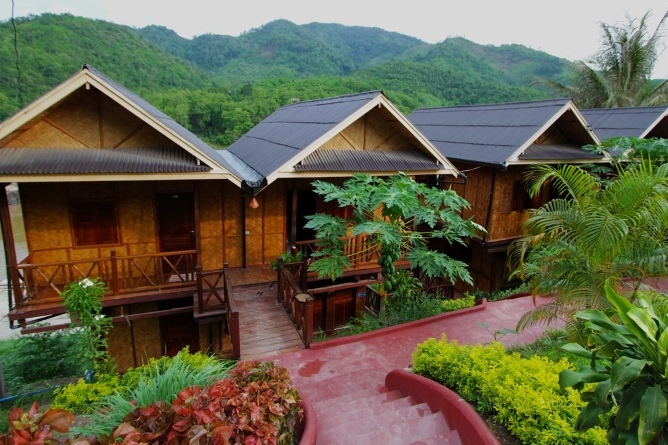 Mekong Riverside's wooden bungalows