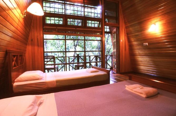 River Lodge bedroom