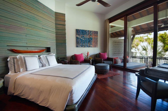 Pearl Bed Suite
