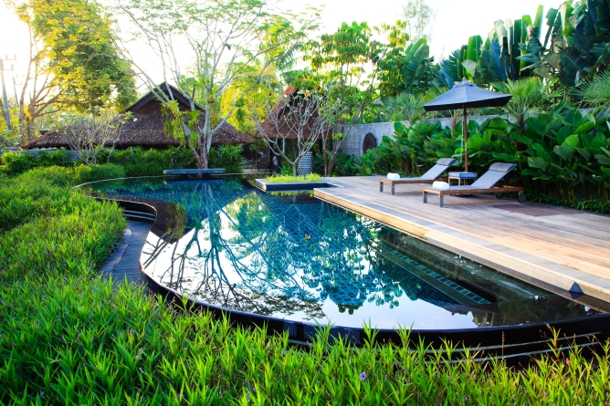 The pool of a private pool villa