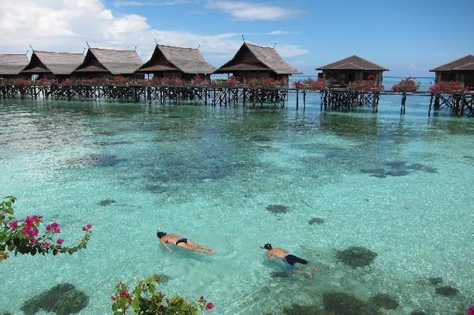 Kapalai sipadan dive resort sipadan marine park stilted water village first class - Kapalai sipadan dive resort ...