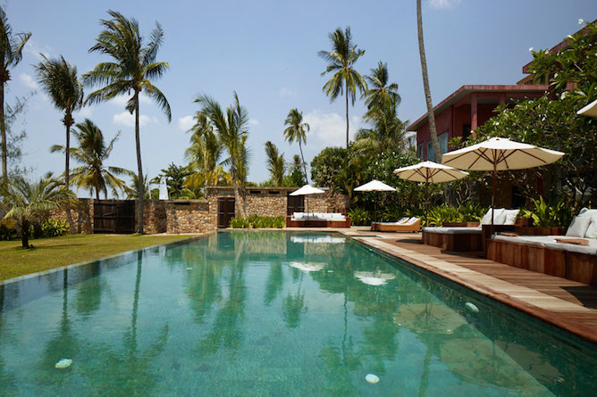 Infinity pool & sun terrace
