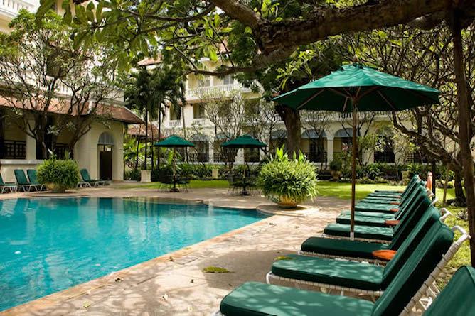 Raffles le royal phnom penh deluxe for Raffles hotel singapore swimming pool