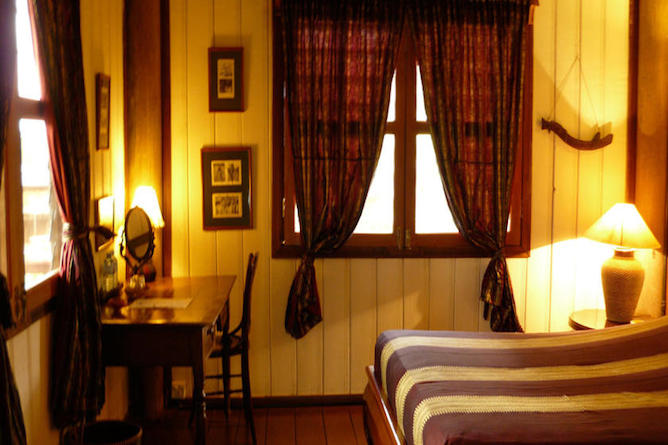 A double room in a typical lodge at Terres Rouge