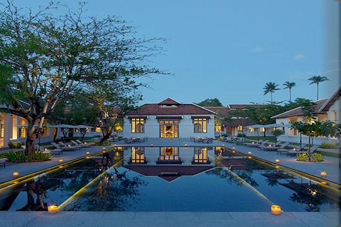 Swimming pool & sun terraces