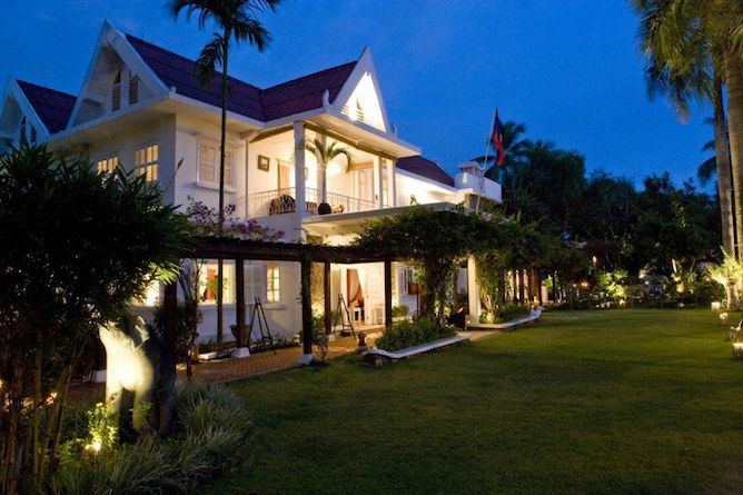 The hotel gardens by night