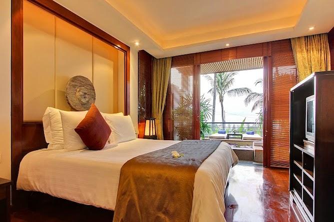 Courtyard suite bedroom
