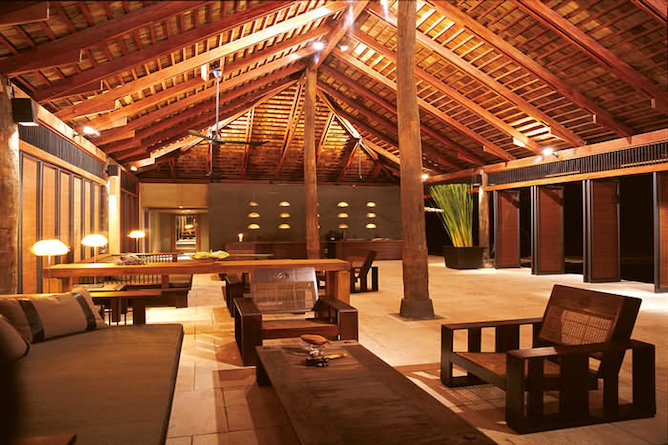 The hotel reception & lobby area