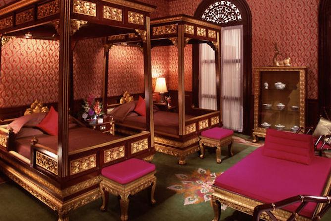 Heritage Authors' suite bedroom
