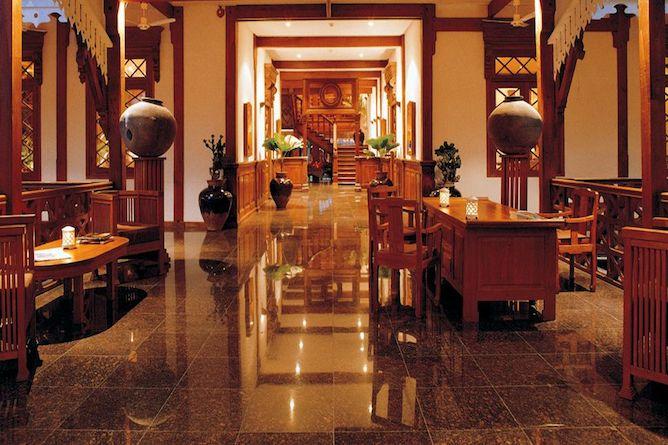 The palatial reception & lobby area