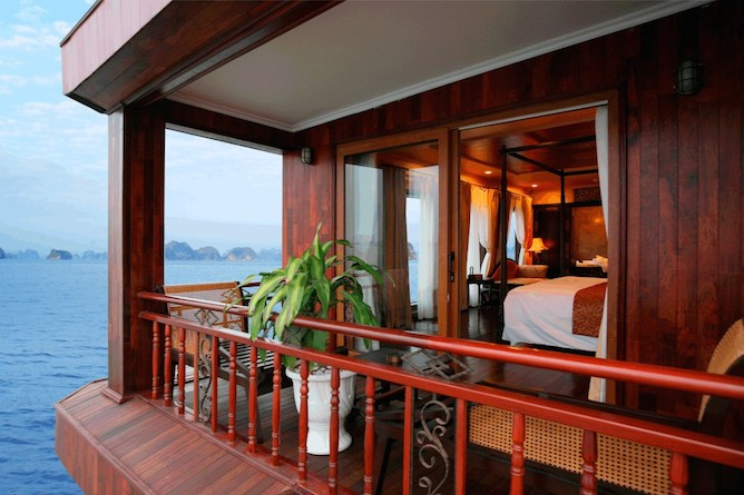 Violet suite private balcony