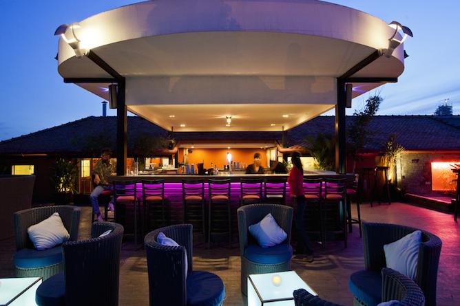 Le Moon Terrace Bar