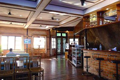 Hotel bar & restaurant