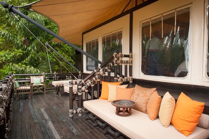 Deluxe tent deck