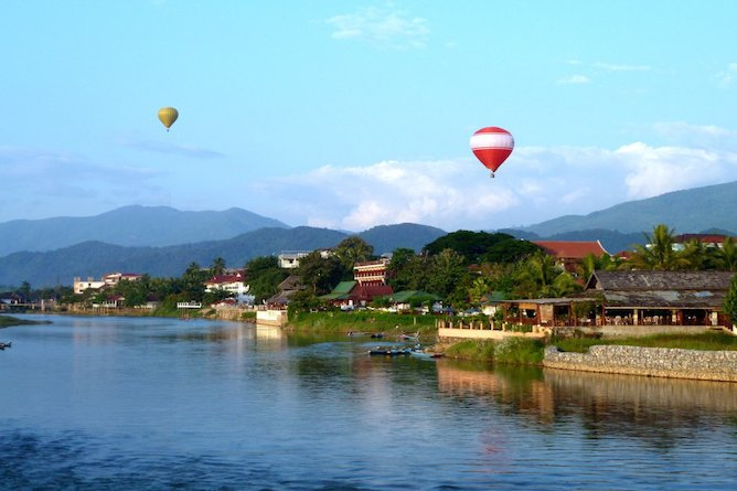 Thavonsouk Resort on the banks of the Nam Song River