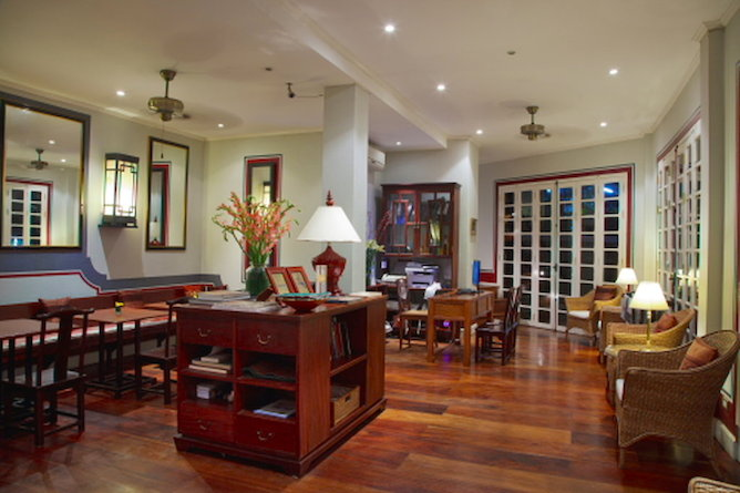 Hotel lounge & lobby