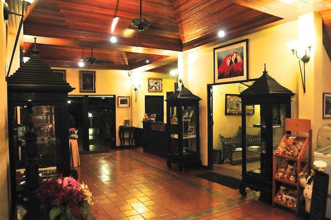 Resort entrance & reception area