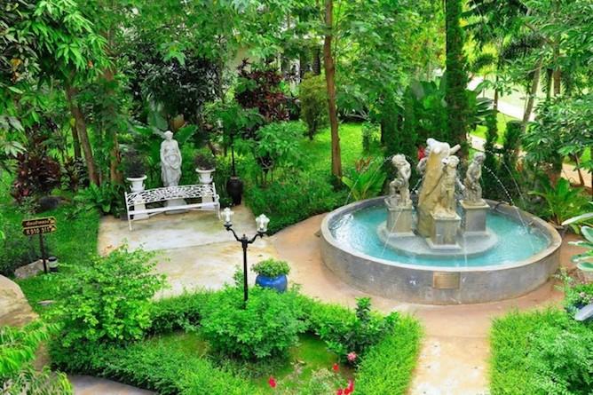 The resort has extensive lush gardens to wander through