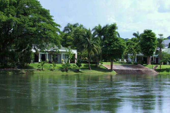 Riverbank location