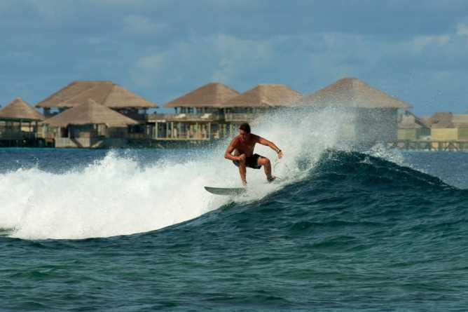 Surfing at Laamu