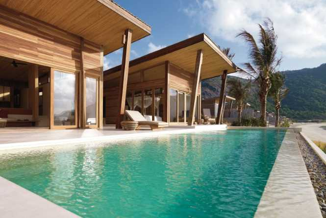 Oceanfront 2 bedroom Pool Villa