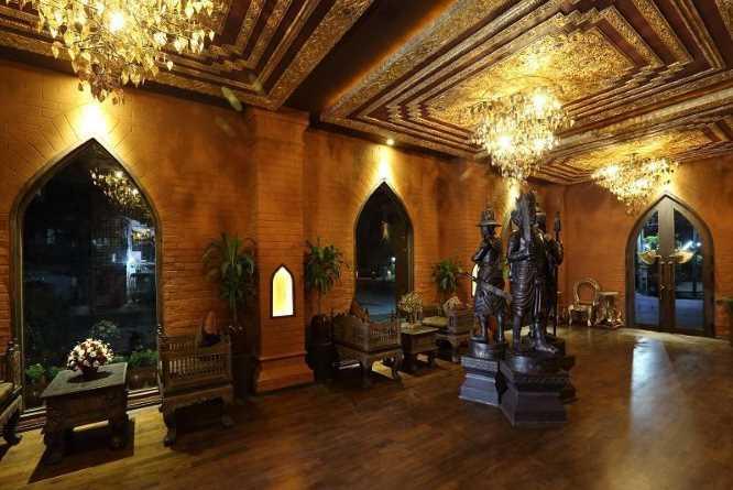 Bagan King's atmospheric lobby