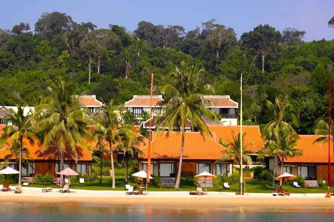 Chen Sea's beachfront villas