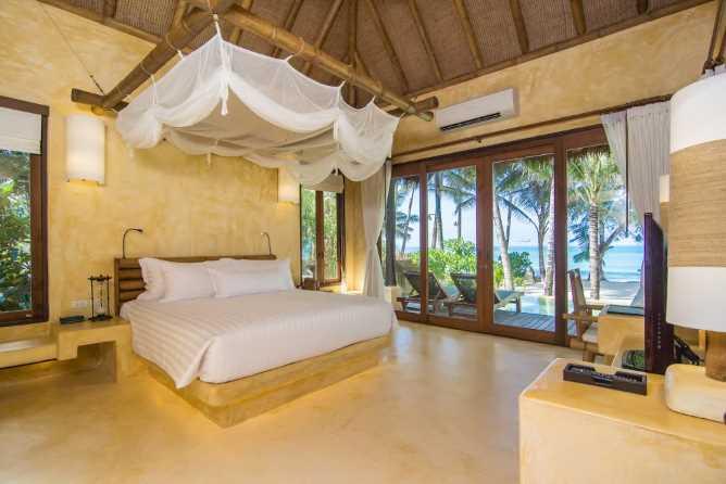 Beachfront Pool Suite interior