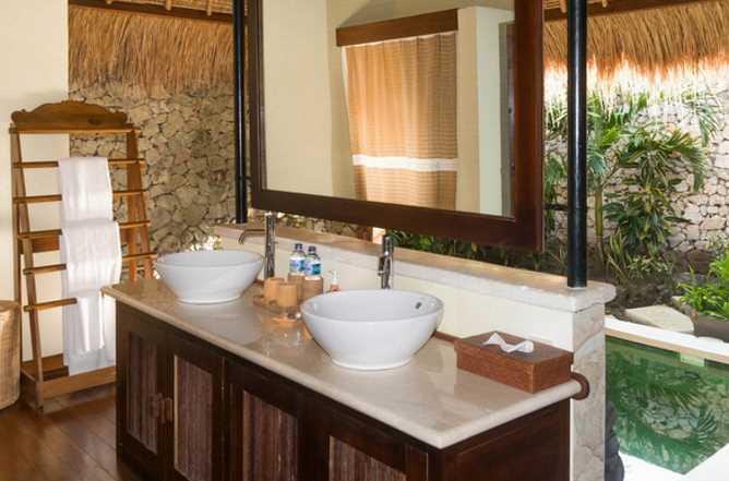 Mangrove Suite bathroom