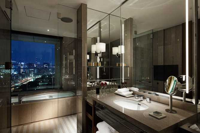 Bathroom of the Grand Deluxe room