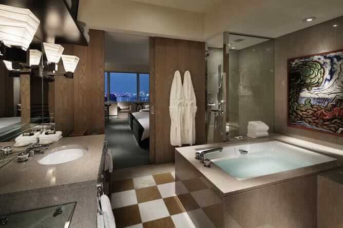 Park Deluxe bathroom